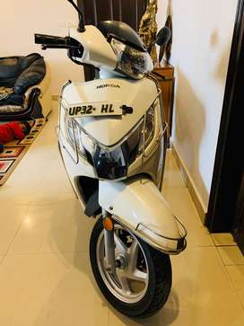 Honda Activa 125 with disc brake (Oct,2016)