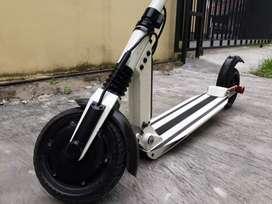 Scooter Listrik ETWOW S2 Eco