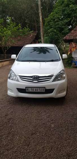 Toyota Innova re from delhi, now kerala regn, good condition, for sale