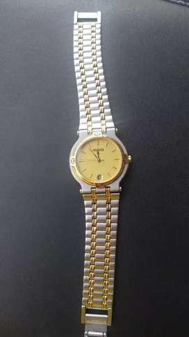 Jam tangan GUCCI orginal  uni sex gold stainless  ada tgl tipis