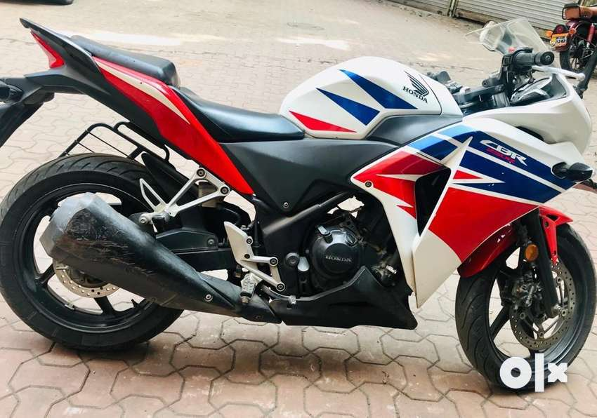 CBR 250R in good condition. 24000km only driven. 0