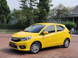 Brio E 2019 matic warna kuning low km ( 7.xxx )
