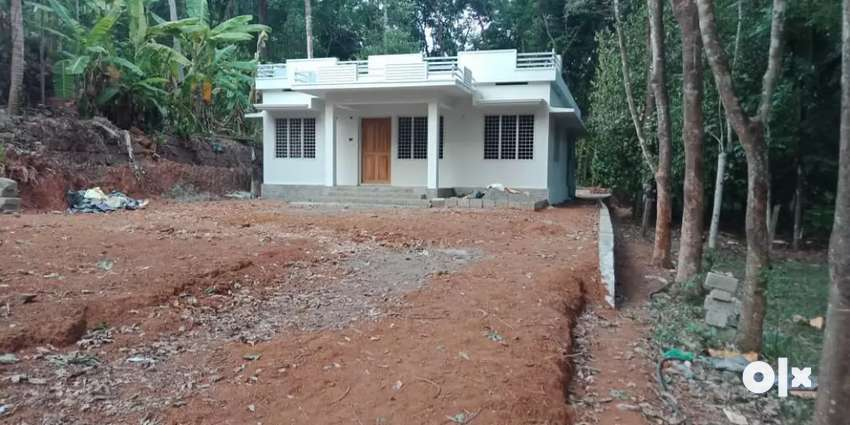 3 BHK House in 7.5 cent in Beautiful Location at Pampakuda 0