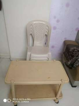 04 plastic chairs and tables