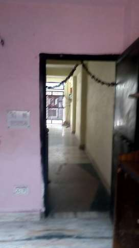 1BH Flat for Rent: Dwarka, 700m from dwarka mor metro station