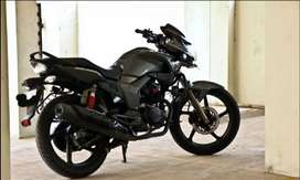 Hero Hunk - Only 14000 km - Brand New Condition