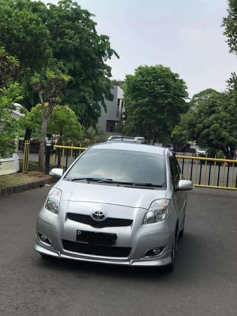 Toyota Yaris S Limited 2011 0