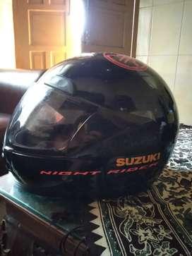 Helm Suzuki Fullface
