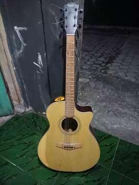 gitar taylor custom dari sukoharjo solo