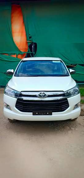 Only 4month old Innova Crysta top end model (top class 7 seater)