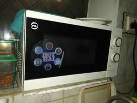 PEL Microwave new and clean