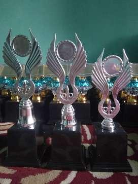 Piala murah meriah harga mulai 50.000 per set
