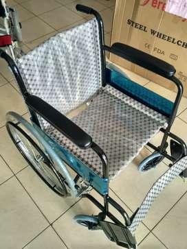Kursi roda standar bekas