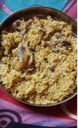 Chicken momo &roll banane wala chahiye h
