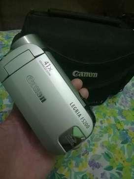 Handycam Legria FS200