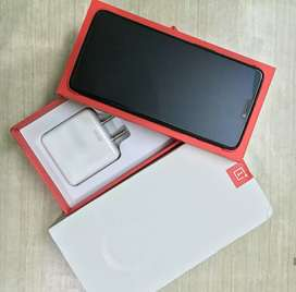 One plus 6 with charger, box and bill