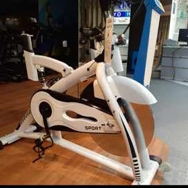 Alat olahraga edisi spinning bike/Total fitness