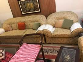 Sofa 7 seated just like new condition 10/9
