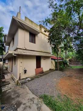 Independent 3 BHK house for rent family Rs. 10000 at Maradu