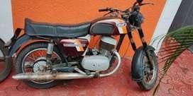 Yezdi classic 250