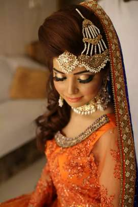 Need 2 alrounder workers for a Ladies Salon