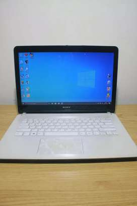 Laptop Sony Vaioo Ram 5 Snow White