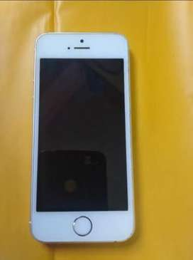 Selling iPhone 5S in best condition with 100% original things