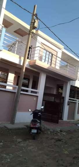 मुंशी पुलिया मेट्रो स्टेशन से 1km की दूरी पर  मकान उपलब्ध है