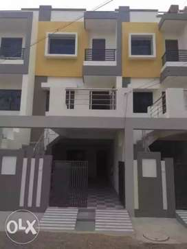 4 bhk makan with car parking good location