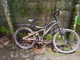 Good condition cycle cosmic voyager cycle