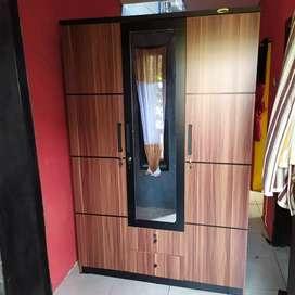 lemari 3p+laci siap antar alamat free ongkir