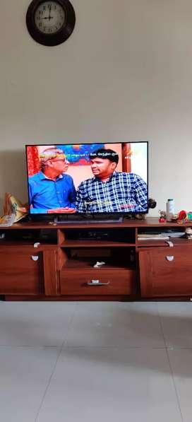 Piyestra make TV center table