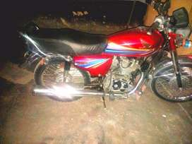 Honda125 in lush condition only one hand use with original spair parts
