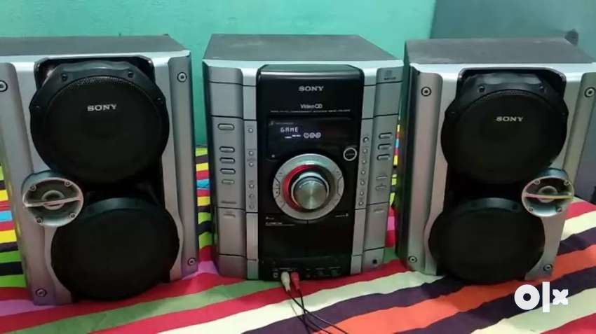 Sony Mini Hi Fi system MHC AV22 0