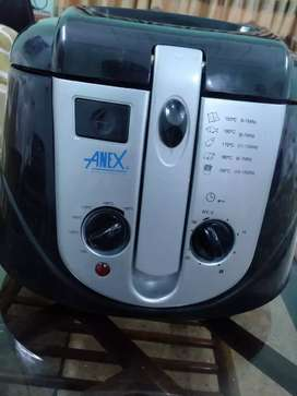 Chips Maker Electric (1 Year + warranty remaining)