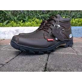 Sepatu Boots Pria Bahan Kulit Asli Pilihan Merek Kickers Original