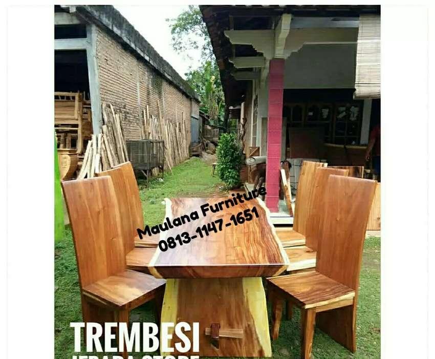 Meja makan kursi trembesi siap kirim 0