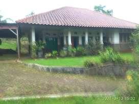 Jual tanah berikut rumah  villa