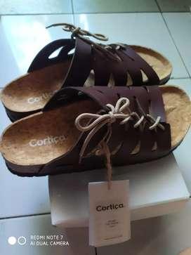 Jual sandal  no 43