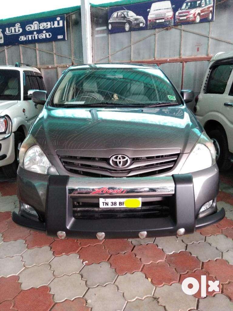 Toyota Innova 2.5 GX 7 STR, 2011, Diesel 0