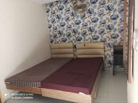 Single room for boys boys PG available in Chandigarh with and without