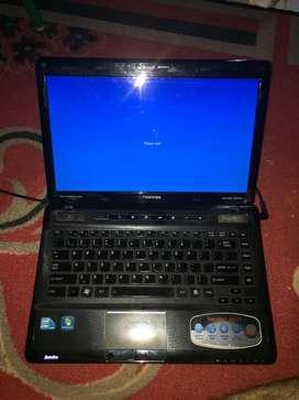 Laptop Toshiba Satellite M645