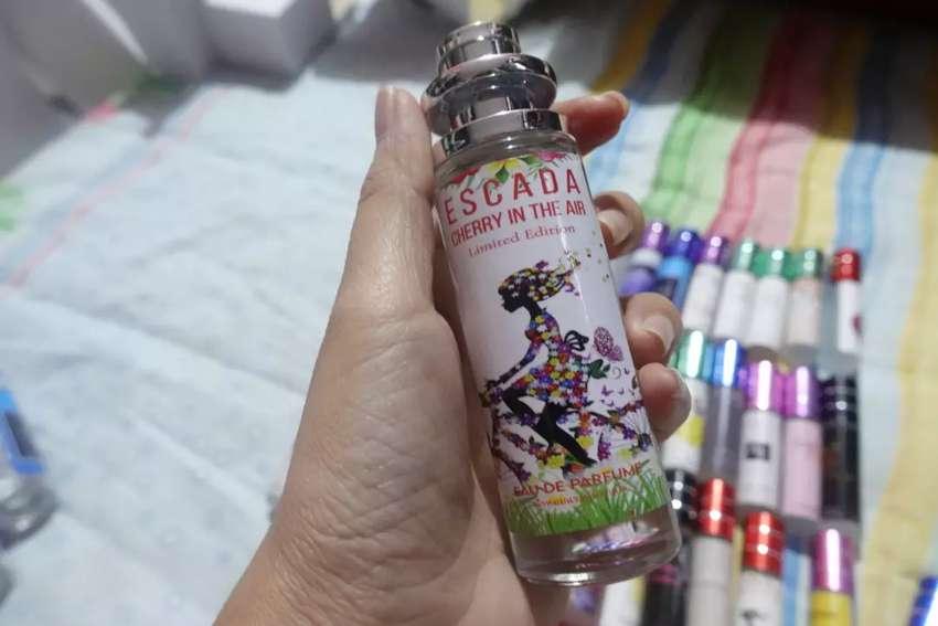 Parfume  Thailand Escada cherry in the air 35ml free sarung parfume 0