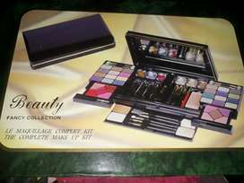New makeup box not used