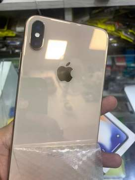 iPhone XS Max 64 GB gold available