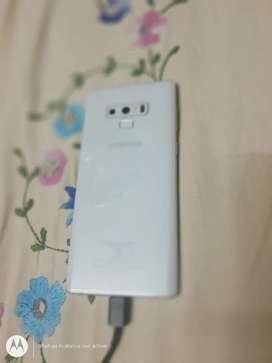 Note 9 in very good condition white colour