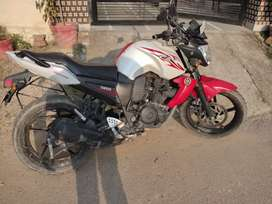 Yamaha fzs gud condition Red and White sporty colour