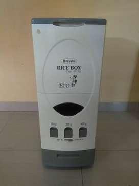 Rice Box Penyimpan Beras MIYAKO