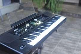 Keyboard Roland BK 5 dengan Stand dan Pedal Roland