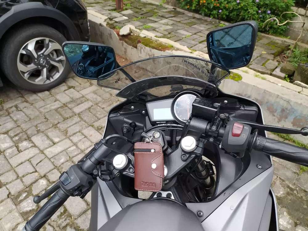 Yamaha R15 Spesial Edition